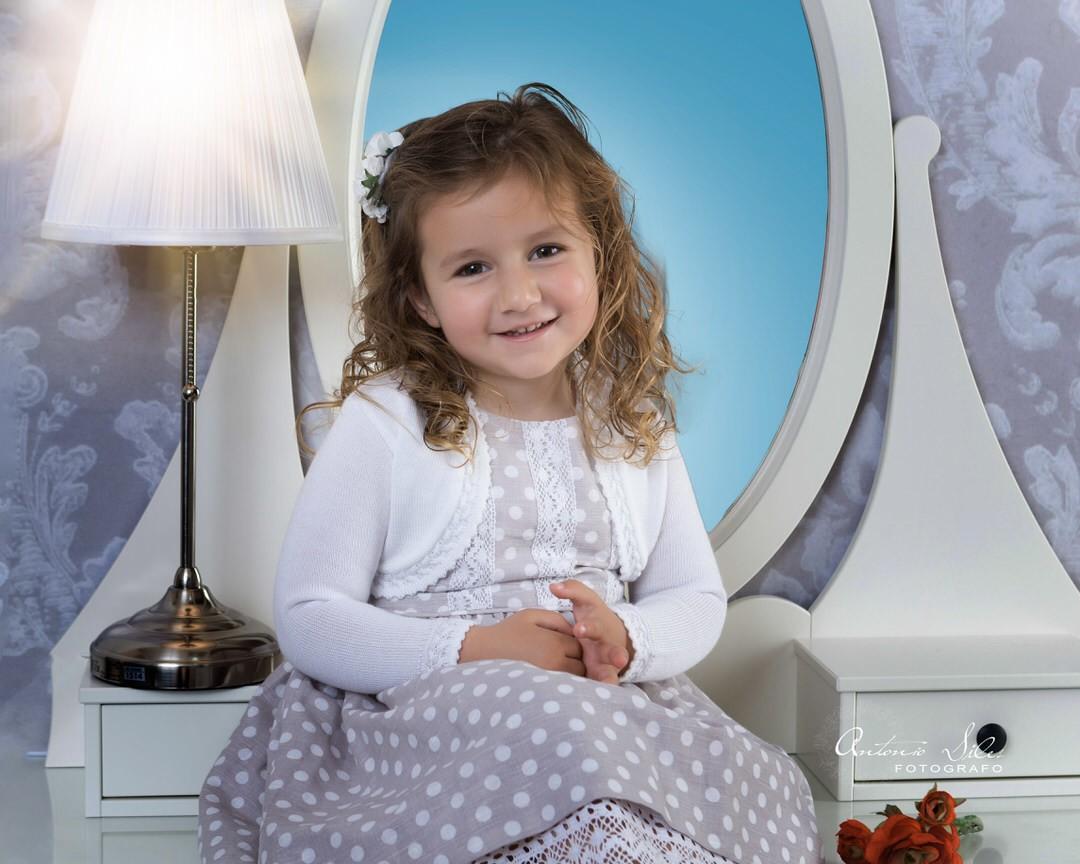 fotografo-de-niños-fotografia-infantil-niña-en-almeria-cortijo-grande-